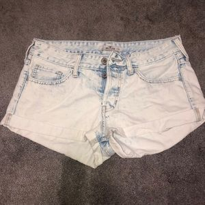 Hollister Mid-Rise Button Up Shorts